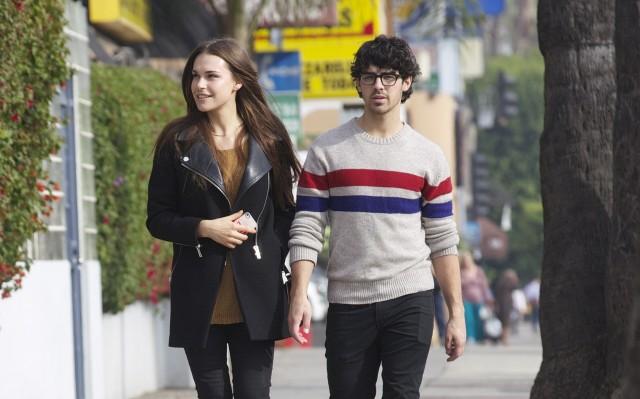 Joe Jonas: Rumors of a Sex Tape With Girlfriend Blanda