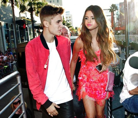 Bieber dating selena gomez