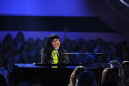 American Idol 2014 Spoilers – Finale – Jena Irene and Paramore Performance 2
